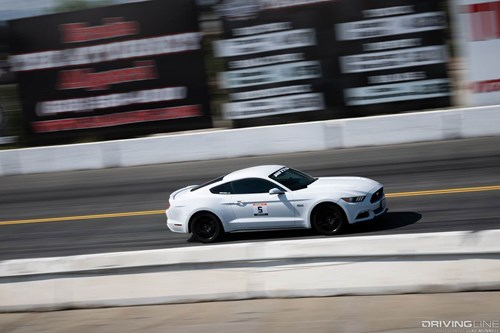 2016 Ford Mustang GT Drag Racing